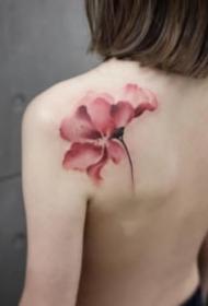 适合女生的超性感的水墨肩花纹身图