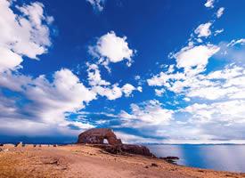西藏圣象天門超美的藍天白云風景圖