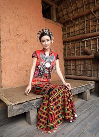 一組 劉凡菲民族服裝可愛乖巧圖片欣賞