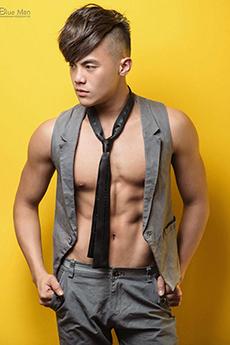 民間性感帥哥健身教練Loki秀肌肉男體藝術寫真圖片