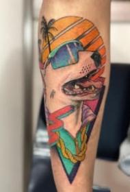 夏威夷风格的创意动物纹身图片