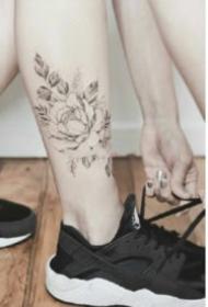 唯美系脚踝小清新素花朵纹身图片