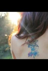小雪花纹身图案 一组小清新可爱多姿的雪花纹身图案