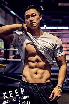中國男模向云龍迷人寫真大秀好身材