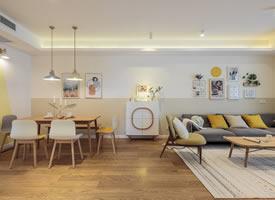 原木色、白色、灰色搭配的北欧原木风格装修效果