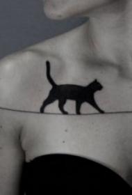 小貓咪紋身圖案 卡通和小清新紋身風格的小貓咪紋身圖案
