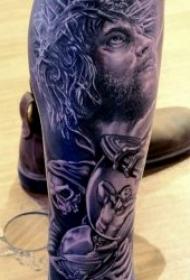 纹身耶稣图案 多款黑暗系纹身十字架的耶稣纹身图案