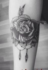 黑色玫瑰紋身圖案 10張顏色十分厚重的黑色玫瑰紋身圖案