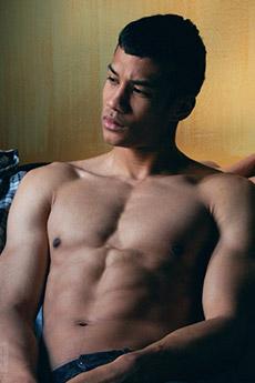 肌肉帥哥裸男圖片6張欣賞