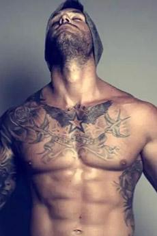 肌肉欧美帅哥纹身照片