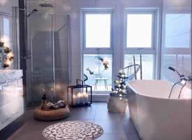 干凈整潔的浴室裝飾風格圖片欣賞