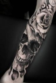 暗黑骷髏頭紋身 9張包臂的暗黑色骷髏紋身圖片
