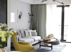 簡約家居設計,僅用一點微妙的色彩,但卻質感豐富