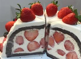 一組甜甜的草莓蛋糕圖片欣賞