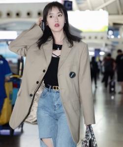 袁冰妍休閑時尚機場照圖片