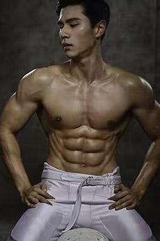 性感亞洲肌肉男神藝術照片