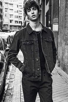 歐美高顏值男模特黑白寫真照片