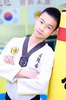 14歲小鮮肉跆拳道小帥哥肖揚照片