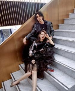 戚薇李承鉉情人節甜美封面寫真圖片