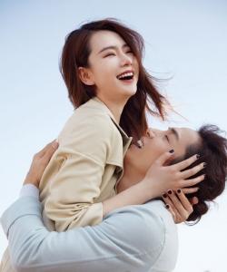 戚薇李承鉉夫妻甜蜜時尚寫真圖片