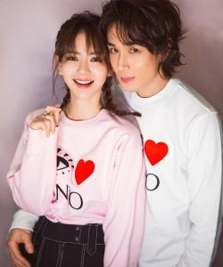 戚薇李承鉉浪漫情侶裝寫真圖片
