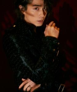 李承鉉酷感十足瀟灑時尚寫真圖片
