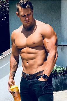 歐美肌肉男神生活照片