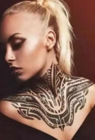 帥氣的9款漂亮圖騰紋身作品圖片