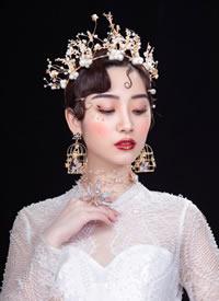 一組簡單和復雜的不同復古新娘造型