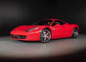 一組紅色帥氣的2013 Ferrari 458 I