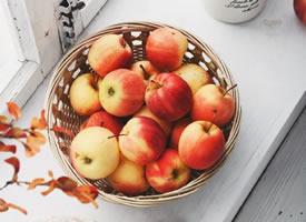 深秋的蘋果好像更香更脆一樣