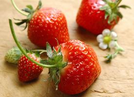 又大又甜的草莓圖片