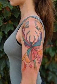 一組法國藝術家設計的浪漫彩色紋身圖案