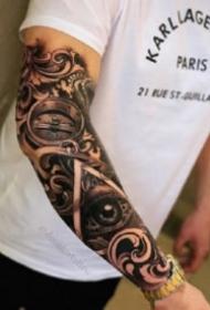 指南針紋身 手臂上的包臂寫實指南羅盤黑臂紋身圖案