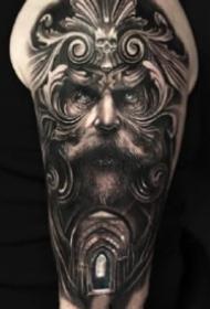 大臂寫實紋身 歐美9款包大臂的黑灰寫實紋身圖片