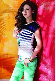 韩国女演员金泰熙代言品牌服饰尽显青春活力