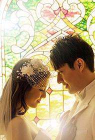 吴千语浪漫婚纱摄影广告图