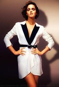 艾玛·沃特森裸露香肩美背撩人写真