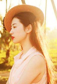 张辛苑唯美复古长裙迷人写真组图