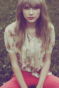 美国美女明星泰勒·斯威夫特唯美梦幻写真