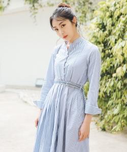 鐘祺圖片 鐘祺藍色連衣裙性感活動照圖片