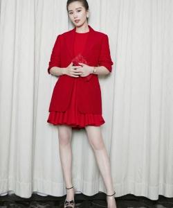 劉詩詩優雅紅裙活動寫真圖片