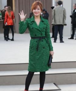 韓星金喜善現身倫敦時裝秀 金喜善圖片