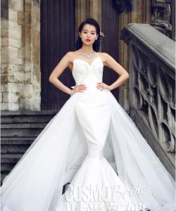 胡杏兒白色魚尾婚紗驚艷時尚雜志寫真