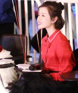 李浩菲紅襯衫活動圖片
