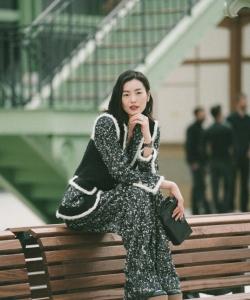 劉雯復古時尚寫真圖片