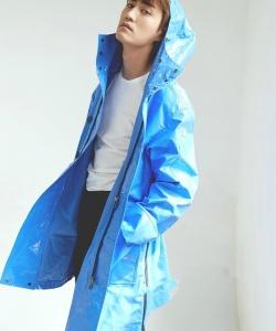 楊玏慵懶隨性時尚寫真圖片