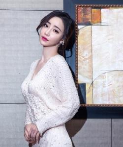 劉凡菲優雅婀娜活動照圖片