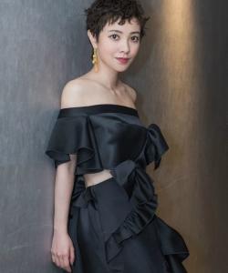 郭采潔黑色禮服圖片:化身優雅嫵媚小女人