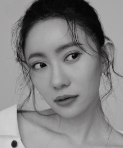 劉萌萌嫵媚婀娜時尚寫真大片